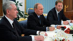 Путин поддержал идею многократной пересдачи ЕГЭ и открытого банка заданий по всем предметам