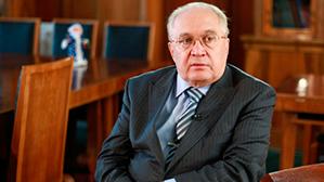 Ректор МГУ: ЕГЭ должен быть в школах с младших классов