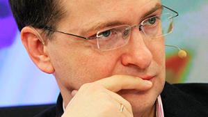 Министр культуры просит в школьной программе больше русского языка и меньше иностранных