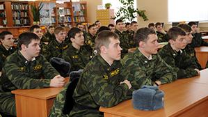 В гуманитарных вузах могут ликвидировать военные кафедры