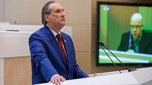 Сенатор Cовфеда: «Депутат, безусловно, должен получать гораздо больше, чем учитель или врач»