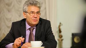 Президент РАН призвал отказаться от ЕГЭ