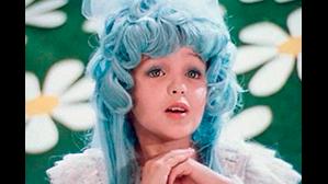 В Петербурге ученицу с синими волосами не пустили в школу